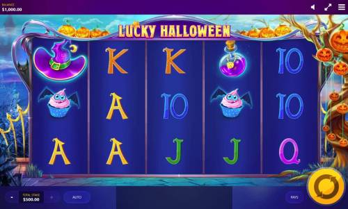Lucky Halloween Review Slots Main game board featuring five reels and 20 paylines with a $10,000 max payout.