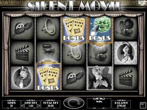 Silent Movie Review Slots Bonus feature triggered.